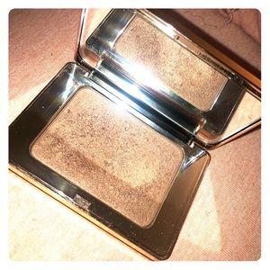 Natasha Denona Glow All Over Face and Body Powder